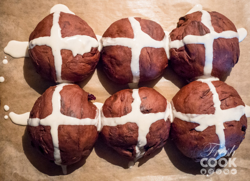 Chocolate hot cross buns recept Jamie Oliver Fresh Cook